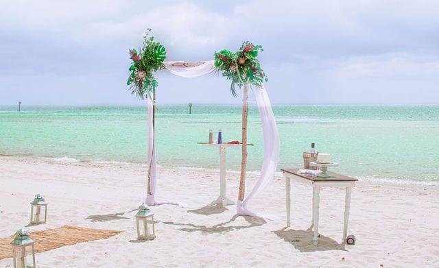 Real Wedding in Key West – NICOLE & JAMES – Hightide Package